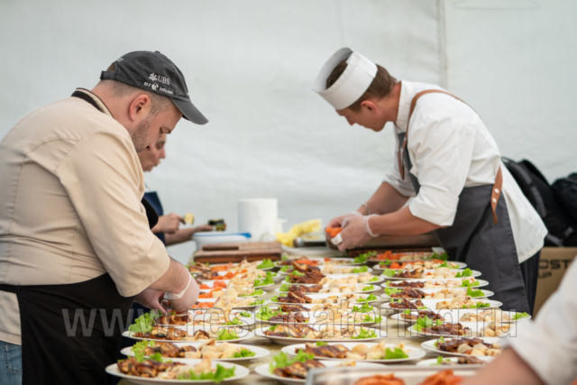 catering-rest3-4-1024x683-640x480