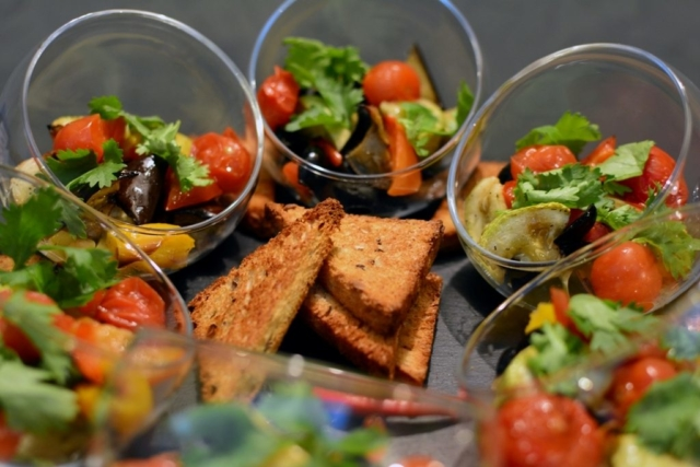 VIP фуршет с блюдами восточной кухни